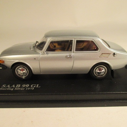MMNC035 Nordic Collection Troféu Saab 99 GL 1975 Sterling silver side view