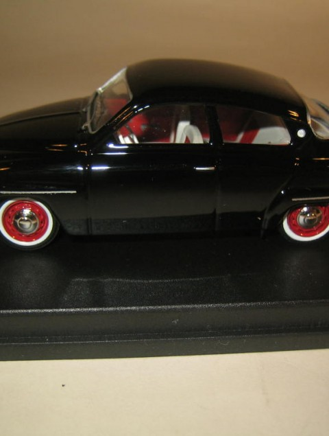 SMNC001 Nordic Collection Troféu Saab 96 1960 black side view