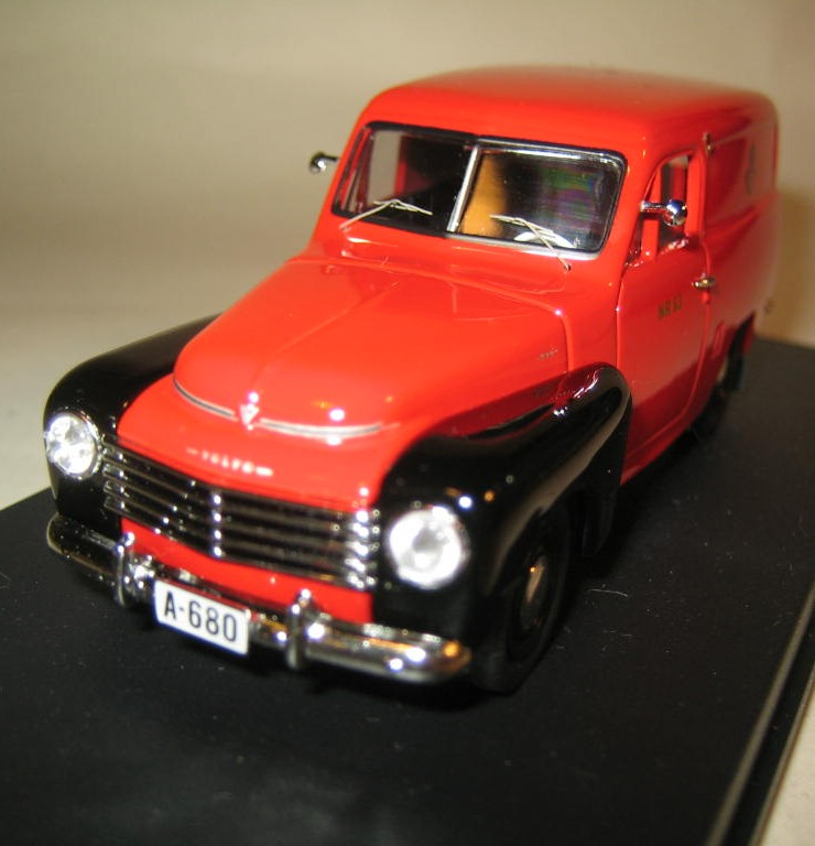 SMNC002 Nordic Collection Troféu Volvo Duett 1956 Posten Norway front view