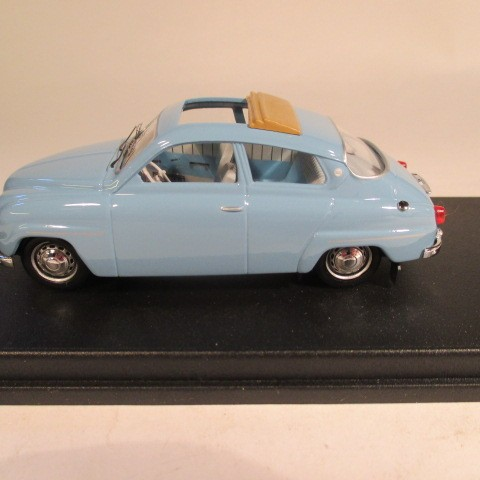 SMNC003 Saab 96 1961 sunroof 1:43 diecast side view