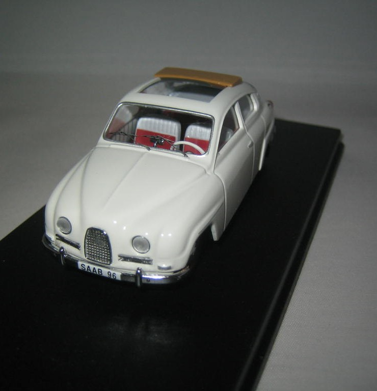 SMNC004 Saab 96 1961 sunroof 1:43 diecast front view