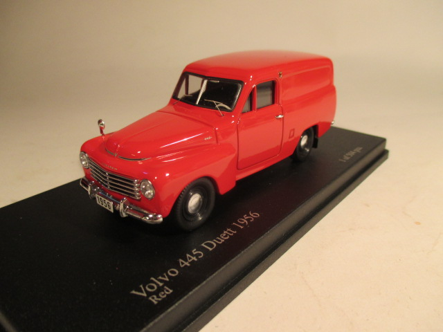 SMNC007 Nordic Collection Troféu Volvo 445 Duett 1956 red front view