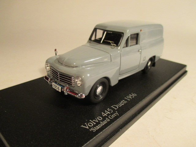 SMNC008 Nordic Collection Troféu Volvo 445 Duett 1956 standard grey front view