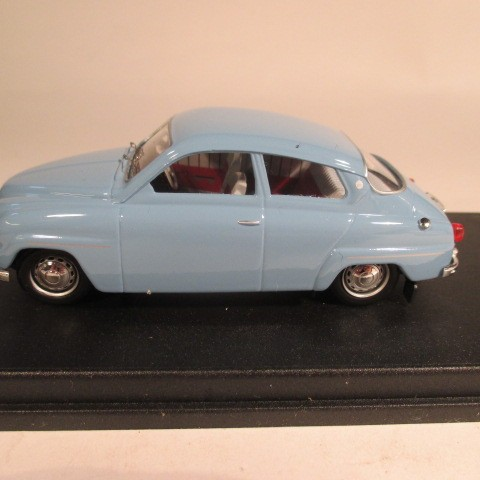 SMNC014 Nordic Collection Troféu Saab 96 arctic blue right hand drive side view