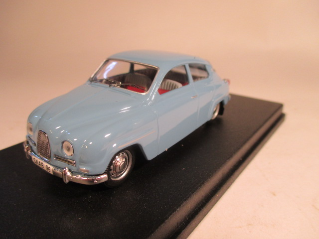 SMNC014 Nordic Collection Troféu Saab 96 arctic blue right hand drive front view