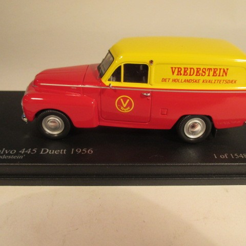 SMNC015 Nordic Collection Troféu Volvo 445 Duett 1956 Vredestein side view