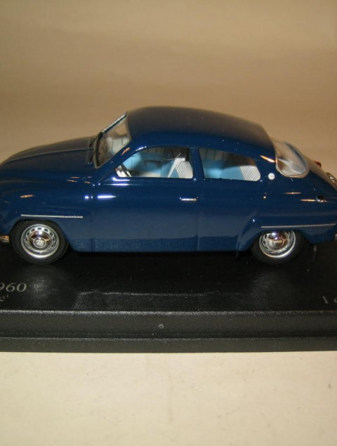 SMNC031 Nordic Collection Troféu Saab 96 1960 midnight blue side view